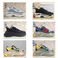 핫! 새로운 패션 파리 17FW 트리플 S 스니커즈 트리플 남성 여성 베이지 블랙 저렴한 스포츠 디자이너 신발 사이즈 36-45 캐주얼 아빠 신발을 S
