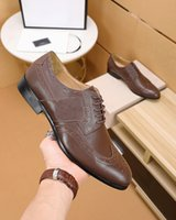 2020 Formal Negócios vestido de festa Sapatos Masculinos em Couro Marca Loafers Homens Fashion Designer Flats Tamanho 38-45