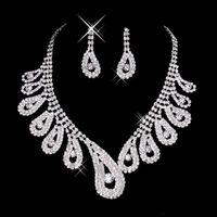 Billig Womens Braut Hochzeit Pageant Strass Wunderschöne Funkeln Silber Halskette Ohrringe Schmuck Sets Für Party Brautschmuck Zubehör