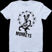 12 Monkeys T-Shirt in camiseta con t-shirt bianca e personalizzata