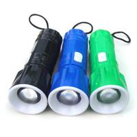 검은 색, 녹색, 청색 세 가지 플라스틱 미니 망원 줌 손전등 작은 손전등 LED 회전 디밍 야외 승마 손전등