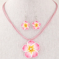 أزياء هاواي plumeria الزهور مجموعات المجوهرات بوهيميا بوليمر كلاي أقراط قلادة قلادة مجموعات مجوهرات للنساء