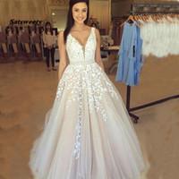 V Neck robes de mariée Lumière Champagne longueur au dos ouvert Applique manches Une ligne Backless robe de mariée Robe De Noiva