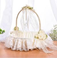 Panier de fleurs de mariage en dentelle crème avec élégante fleur rose fille paniers de mariage Faveurs de mariage Décoration de la cérémonie à la main Partie de la fête de fleurs