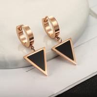 Dreieck schwarzer Acryl Runde Kuchen Anhänger Ohrringe durchbrochene Ring Ohrstecker übertrieben quadratische T-Shirt Klee Doppel Ohrringe