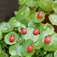 الاصطناعية 10 PCS Ladybud خنفساء مرابي حيوانات زخرفة المنمنمات حديقة التماثيل الطحلب الحرف التماثيل لديكور حديقة المنزل