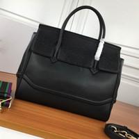 سعة كبيرة حزمة حقيبة السفر حمل حقيبة حقائب اليد الأزياء جودة عالية جديد المرأة الداخلية سستة حقيبة crossbody اثنين من الأشرطة الكتف