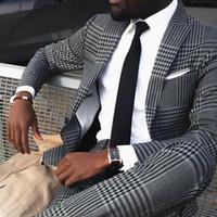 Серый Мужские Vintage Plaid костюмы Британский Стиль Тонкий Нотч Groom партии смокинг Свадебные смокинги для мужчин Формальное Пром костюм (куртка + брюки)