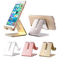 Universal mini portáteis da liga de alumínio móveis titulares Telefone Suporte de carga preguiçoso Mounts metal para IPhone para Samsung para Huawei Smartphone