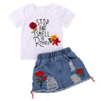 Rose bedruckte Baby Mädchen Kleidung Sets Baumwolle Kurzarm T-Shirt mit zerrissenen Jean Zweiteiliger Rock Set Casual Sommer Outfits 19052302