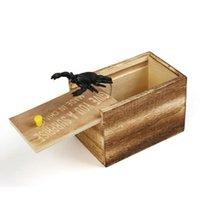 Смеха День подарков Деревянные розыгрыши Trick Розыгрыш для дома и офиса Scare Toy Box Gag паук Scorpion Дети смешной подарок ZC1951