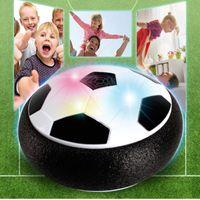 أطفال رفع تعليق كرة القدم كرة القدم وسادة رغوة العائمة كرة القدم مع الصمام الخفيفة الموسيقى مزلق لعب كرة القدم لعب الاطفال GIF