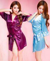 Batas de seda de hielo Para mujer Ropa interior atractiva Ropa interior con cuello en V Color sólido suave Ropa de dormir Albornoz Cinturón femenino Diseño de batas