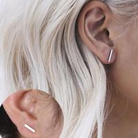 Mode Graceful Boucles d'oreilles en alliage Combinaison Anneau d'oreille De simples mots Une Forme Boucles d'oreilles pour les femmes de la mode Bijoux