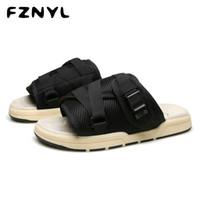 FZNYL 2020 Novos Chinelos Homens malhagens diapositivos respiráveis para a Praia exterior engrossam os chinelos não escorregadios Sandálias Sapatos de Verão