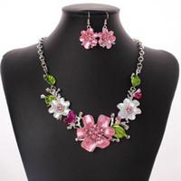 3Réglez Europe et Amérique du mode tempérament doux fleurs émail avec cristal Colliers Boucles d'oreilles Ensembles Ms cadeau Bijoux