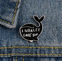 만화 고래 에나멜 핀 나는 소녀를위한 배지 브로치 사랑 whaley 견적 의류 모자 가방 라펠 핀 산모 사랑 보석 여성 선물 GD172