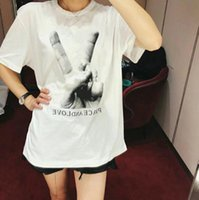 Luxury Europe Paris Finger Victory Camiseta Moda Mujer Camiseta Casual Tee color: Negro blanco