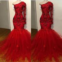우아한 레드 댄스 파티 드레스 인어 어깨 하나 긴 소매 인어 저녁 가운 2020 레이스 아플리케 특별한 드레스
