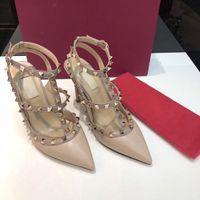 Frete grátis! 35-41 Novo 2017 Moda senhora da moda sapatos de Salto Alto couro real couro real 9.5 cm Sapatos de Casamento Bombas Stud Sandálias 35-42