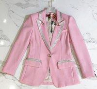 Estrella de las señoras europeas y estadounidenses con los últimos modelos de estampado de botón de rosa tridimensional de alta dimensión con blazers delgados rosados