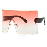 2019 Unisex Boy Kare Güneş Kadınlar Moda Tasarımcısı Marka Perçin Kalkan Maske Güneş Gözlükleri Erkekler Shades Vintage Güneş Gözlüğü W89