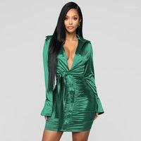 Plissee Lace-Up-Kleid-beiläufige lange Hülsen-Normallack-Kleid-Damen Luxus Bodycon Kleider Sexy Skiny-Revers-Ansatz Art und Weise