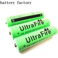 UltreFire 18650 8000mAh uso della batteria al litio 3.7V per forte torcia elettrica chiara e ventilatore portatile e così via.