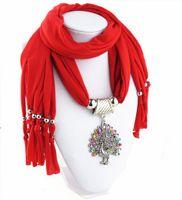 Écharpe pendentif chaud de femmes d'hiver avec des foulards de bijoux de gland de fausse pierre