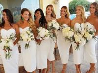 Elegante corto BodyCon Bianco Bianco Abiti da damigella d'onore Durata Tè Guaina Robes De Soirée Vintage Lace Up Abiti da festa nuziale per le donne