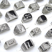 Venta caliente 10pcs diamantes de imitación checos esmalte plateado anillos para hombre joyería de moda al por mayor