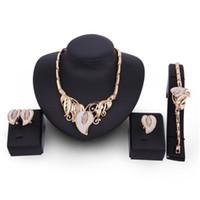 Bijoux Bijoux Alliage De Mode Collier Boucles D'oreilles Bracelet Bague Quatre Pièces Ensemble De Dames Européen Et Américain Partie Bijoux Ensemble