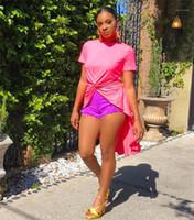 Uzun Bluz Moda Tasarımcısı Pembe Renk Tshirts ile Dantelli Seksi Kadın Mürettebat Boyun Giyim Kadın Düzensiz Bölünmüş