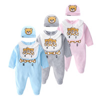 2019 New Cartoon Baby Boys Pagliaccetto Set Orso Neonato Stampato Tuta Manica Lunga + Bavaglino + Cappello 3 pz Tute Primavera Infant Un Set