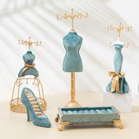 Neue Retro European Mannequin Schmuckständer Persönlichkeit Pfau Blau Bronzing Schmuck Display Rack Hochzeit Geschenk Fensteranzeige