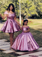 Vestidos de pageant de menina roxa Vestidos de bola lantejould Mãe e filha vestidos 2020 off ombro plus tamanho formal vestidos de festa de baile para crianças