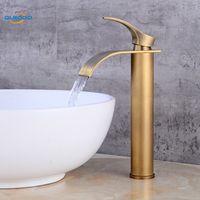 Torneira da bacia de bronze de bronze antigo acabamento torneira torneira misturadora vaidade torneiras do banheiro de água fria quente