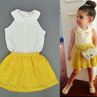 Baby-Sommerkleidung stellt Art- und Weisearmlose weiße Chiffon- Hemden + gelbes Spitze-Rock-2pcs Ausstattungs-Kind-Butike-Kleidungs-Set ein