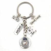 Новое прибытие DIY 18мм оснастки ювелирных изделий 2019 Выпускные Key Chain Сумочка Шарм Мечта Graduate Cap Брелок для Graduate подарка