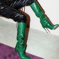 كارداشيان المشاهير نمط بيثون منقوش جلد الركبة عالية أحذية نسائية عالية الكعب المدببة أحذية النساء Zapatos دي موهير بوتاس حجم 35-43
