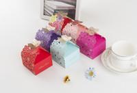 고품질 도매 웨딩 캔디 호의 상자 성격 중공 웨딩 나비 장식 캔디 초콜릿 상자 공식