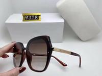 9378 Méduse Marque Designer lunettes de bois Lunettes de soleil pour hommes, femmes lunettes de soleil buffle mode lentille brun clair cadre en bois