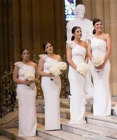 Un hombro vestidos de dama de 2020 correas largas del tamaño extra grande de África elegante de la boda vestidos formales nuevo blanco satén de la sirena de los huéspedes