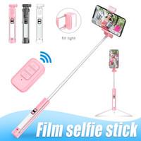 A18 Universal-Abnehmbare Selfie-Stick Wiederaufladbare Stativ faltbare LED Fill-Licht mit Bluetooth Remote für intelligentes Telefon Have Retail Box