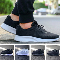 Promozione One Buy One Tanjun Run Running Shoes Uomo Donna Nero Low Light Traspirante London Olympic Sports Sneakers Mens Trainers