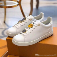 Zapatos de ocio primavera primavera zapatillas de deporte de otoño hombres hombres blancos zapatos gimnasia bailando conducción plana zapatos casuales tamaño grande 35-42-45