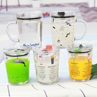 Kid Süt Kupası Glass Ölçme 400ml Kapak GGA3236-1 ile Bardaklar Öğrenci Su Şişesi Bira Kahve Kupalar Karikatür Çocuk Sütü Mug Mezun