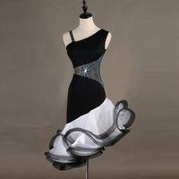 4 ألوان جديدة الكبار / فتاة الرقص اللاتينية اللباس السيدات السالسا التانغو تشاتشا قاعة الرقص حجر الراين زهرة الرقص اللباس أسود + أبيض مخصص