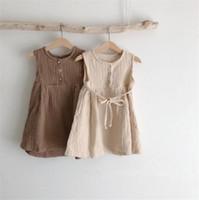 Otoño Verano Little Girls Organc Lino Vestidos de algodón sin mangas Botones en blanco Botones Cinturón Diseños Niños Niños A-Línea Vestidos Ropa