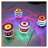 Bambini LED Legno-Like Peg-top Mano Spinner Plastica Flash Gyro Toy Regalo per bambini Light-up Music Novità